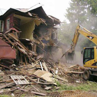 Демонтаж дачного домика